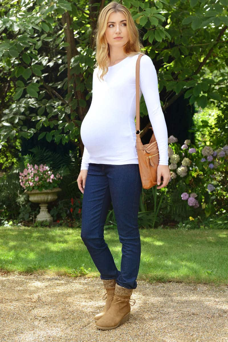 Old Navy has a collection of petite maternity that provides a stylish look and a comfortable fit. Choose from petite maternity in a wide selection of fabulous styles and colors.